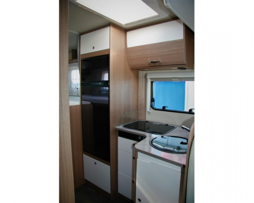 Hymer  - Carado T448 Hefbed + Automaat